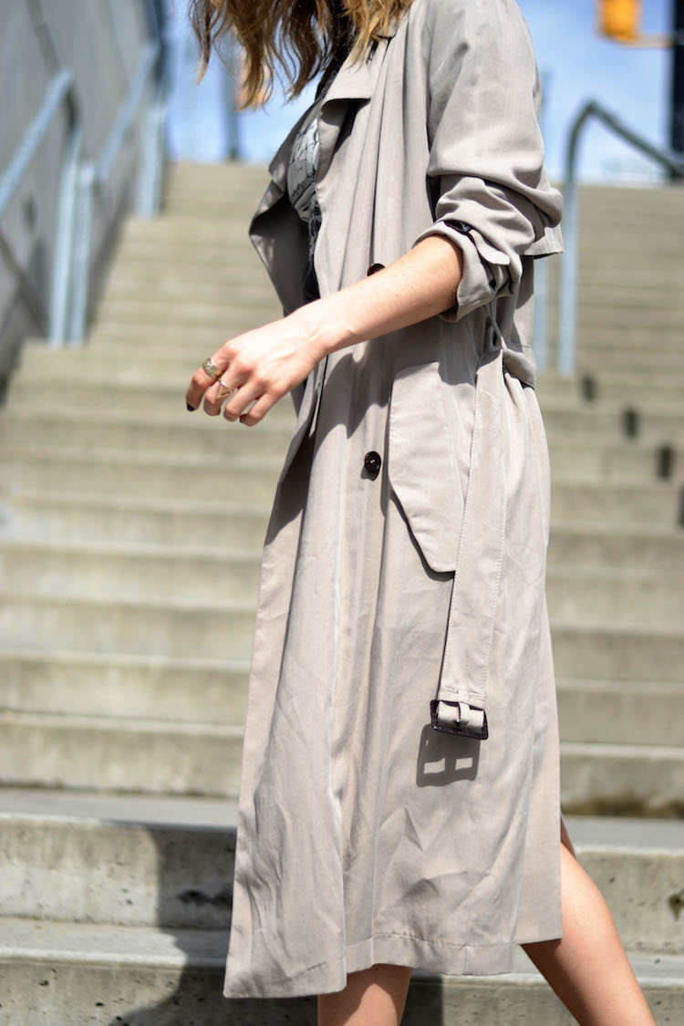 street style chic, leather pencil skirt, vintage tshirt, spring trenchcoat, mules, ombre hair, the august diaries7