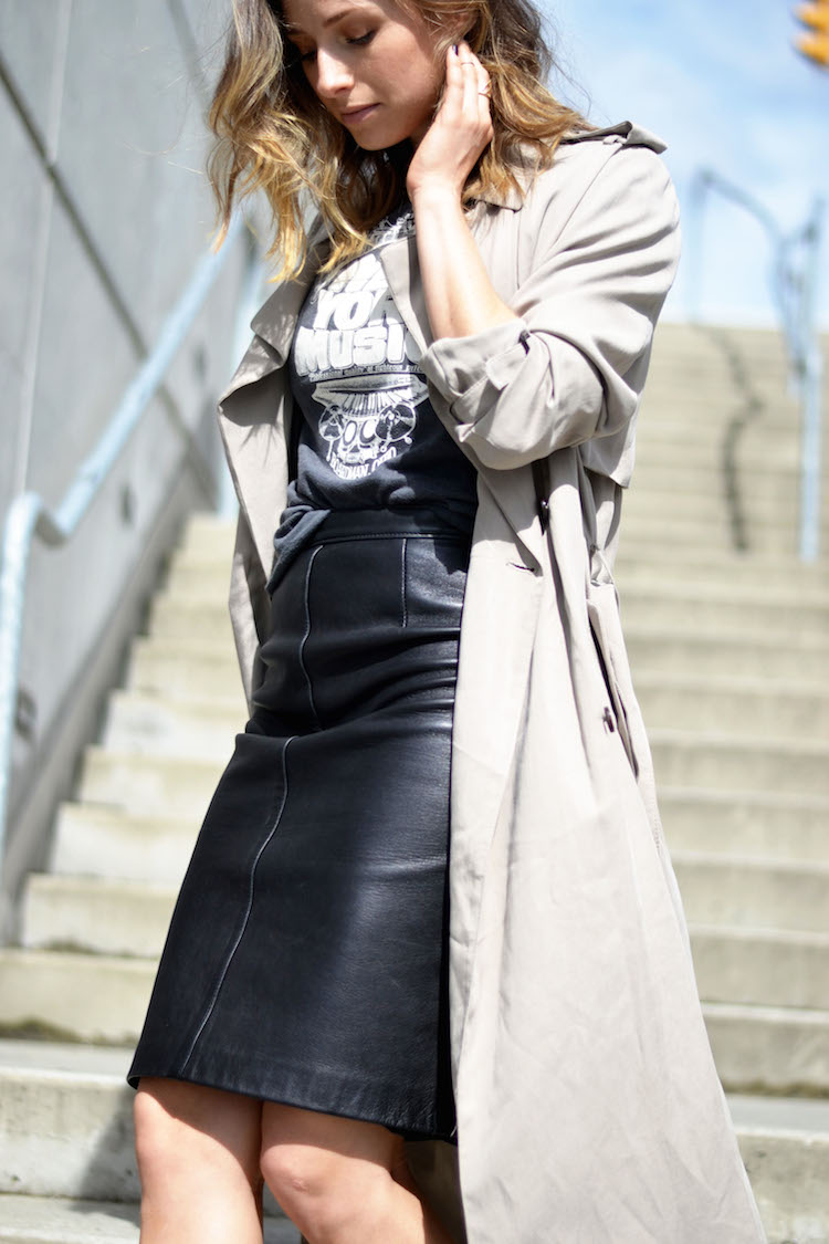 street style chic, leather pencil skirt, vintage tshirt, spring trenchcoat, mules, ombre hair, the august diaries8