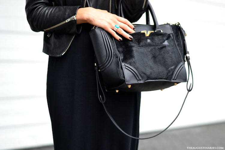 2bf21d00a6886 3 tips for wearing black in the summer