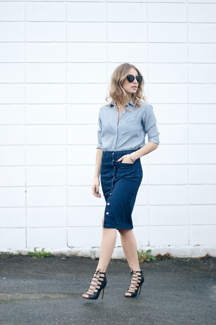 Button skirt outfit suede denim trend