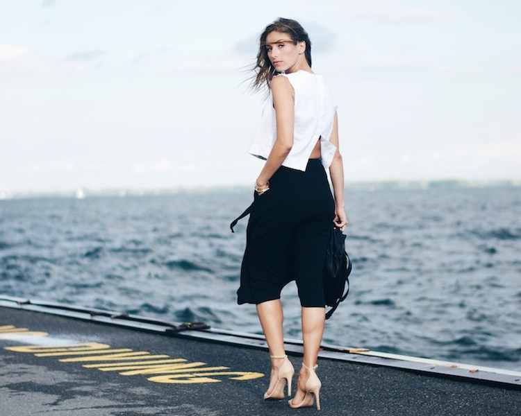 black and white urban outfitters chic look