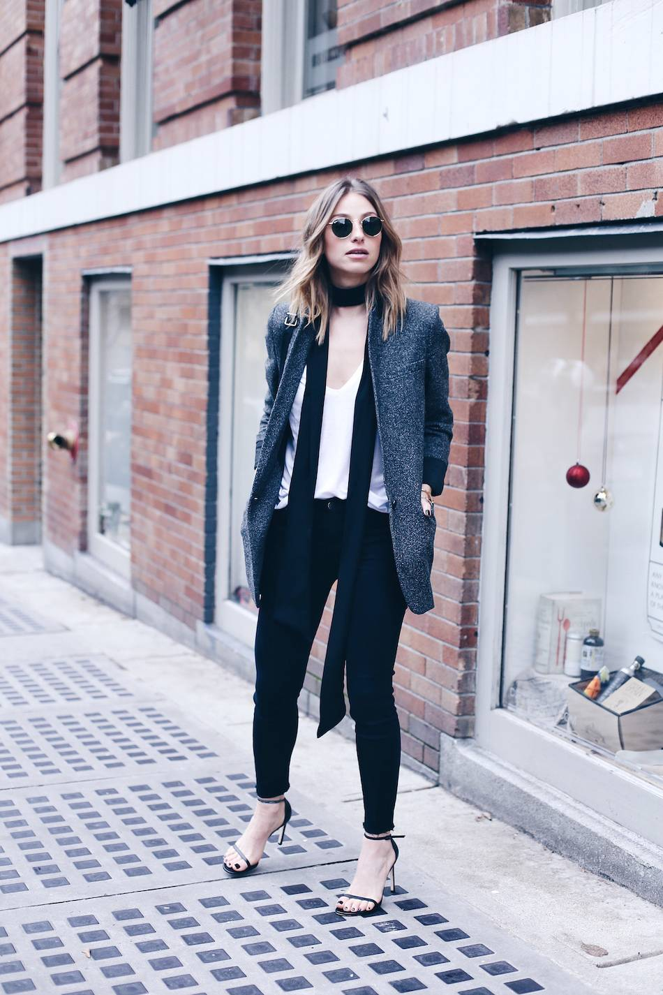 d7d9e3ca17c how to dress like a parisian