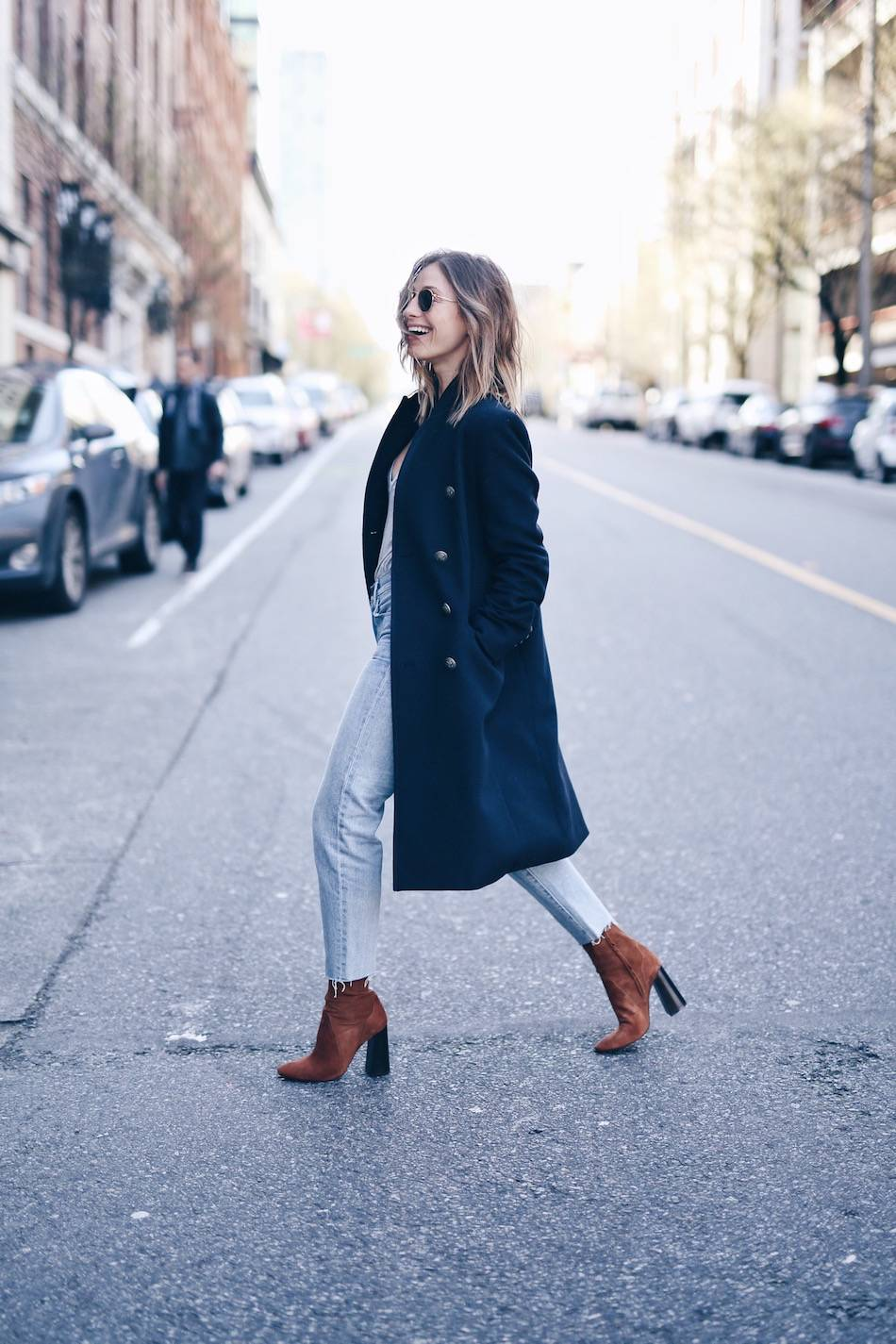spring street style with brown suede boots
