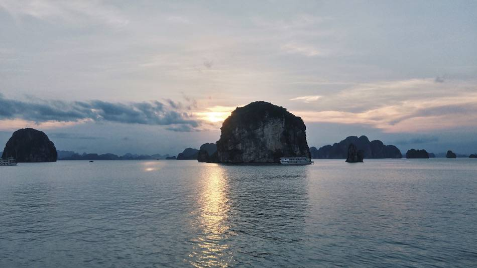 ha long bay sunset vietnam