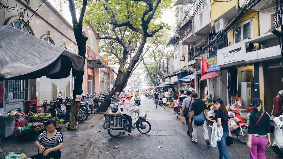streets in vietnam