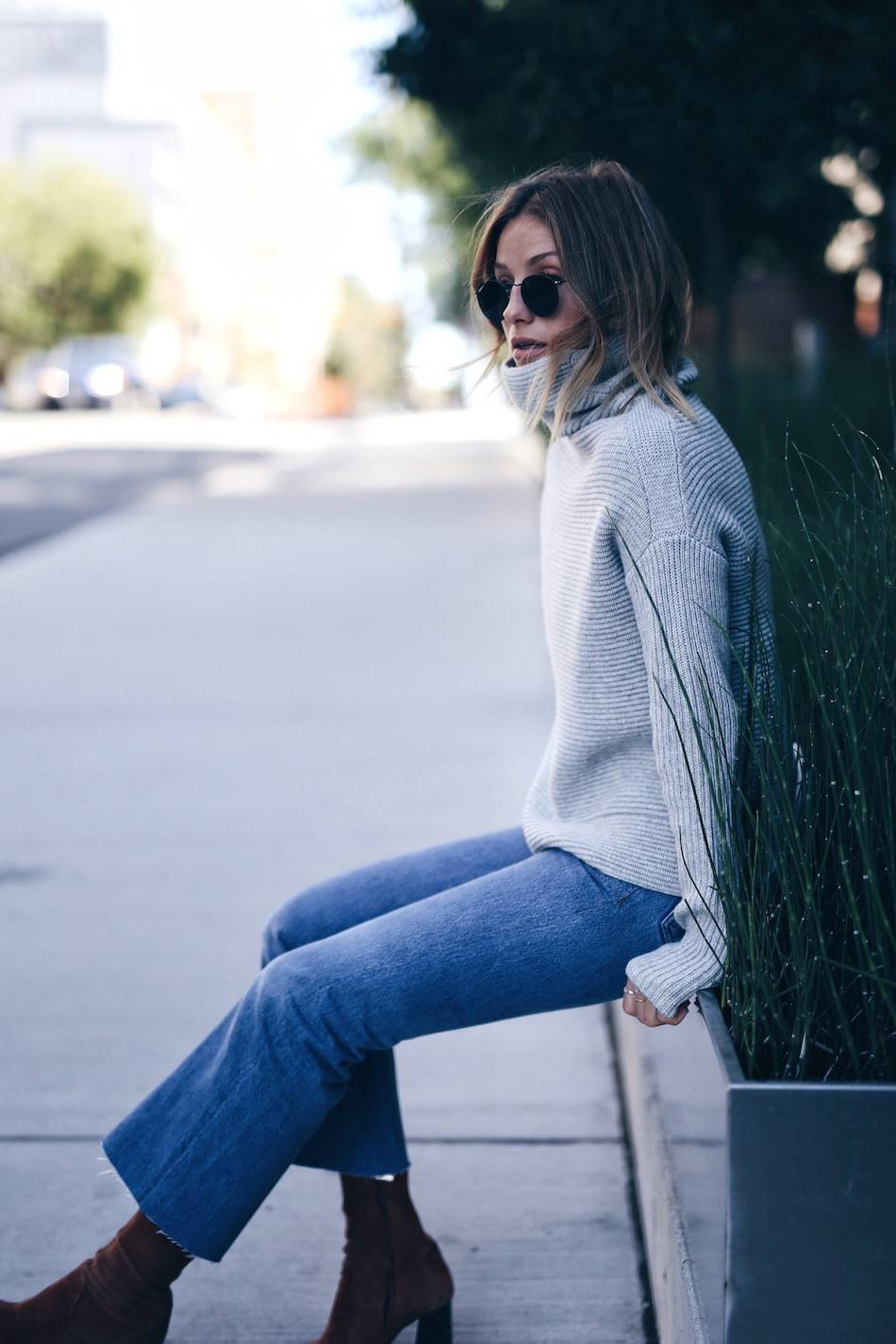 turtleneck with re/done leandra jeans