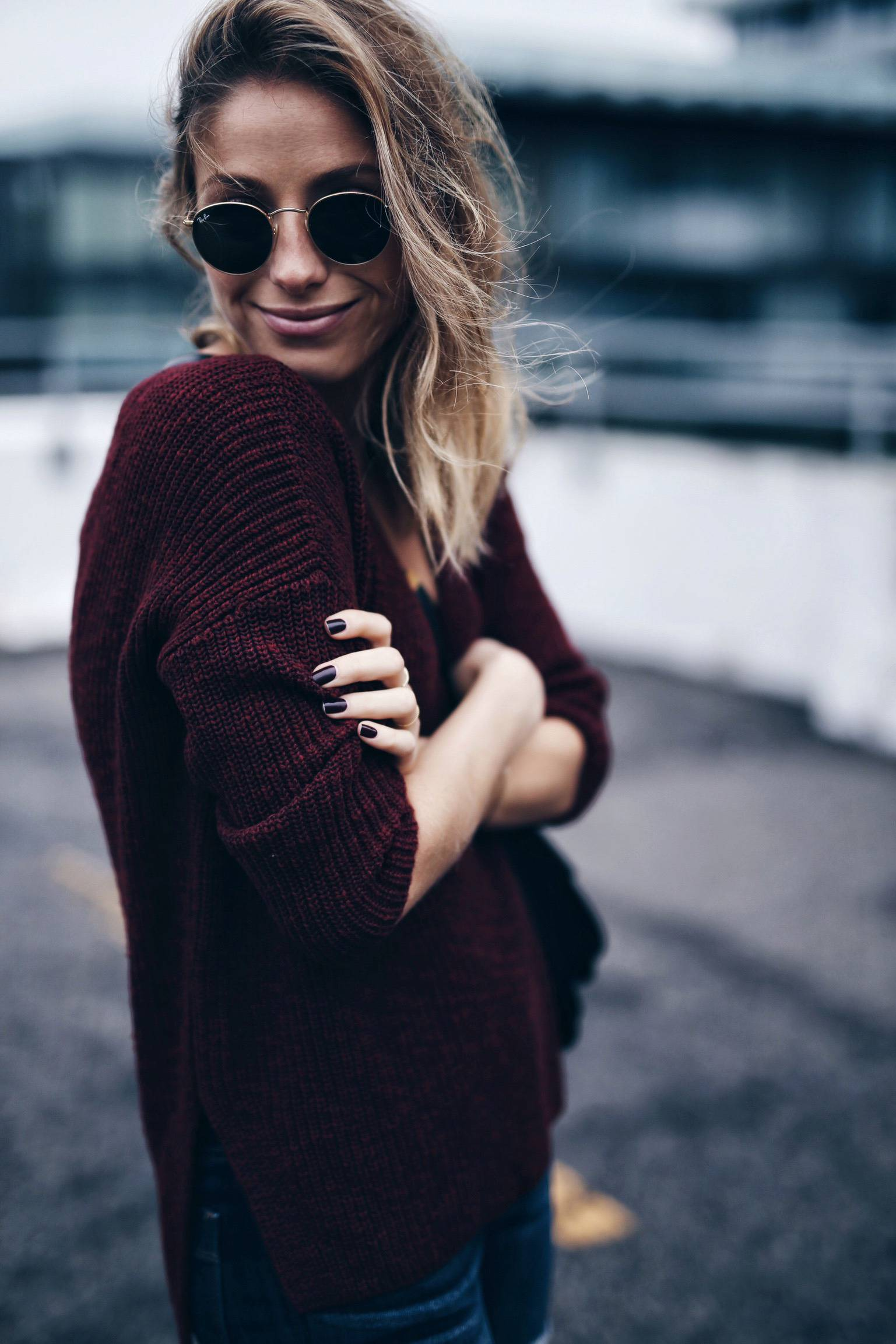 maroon sweater fashion blog