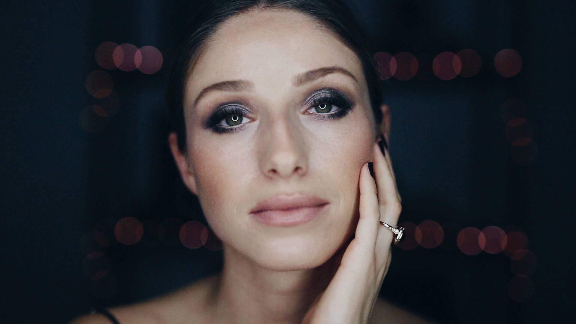 nye-smokey eye makeup