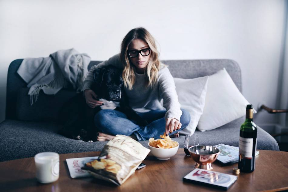 style-and-beauty-blogger-jill-lansky-of-the-august-diaries-top-5-favourite-christmas-movies-and-snacks-miss-vickies-and-red-wine-black-boxer