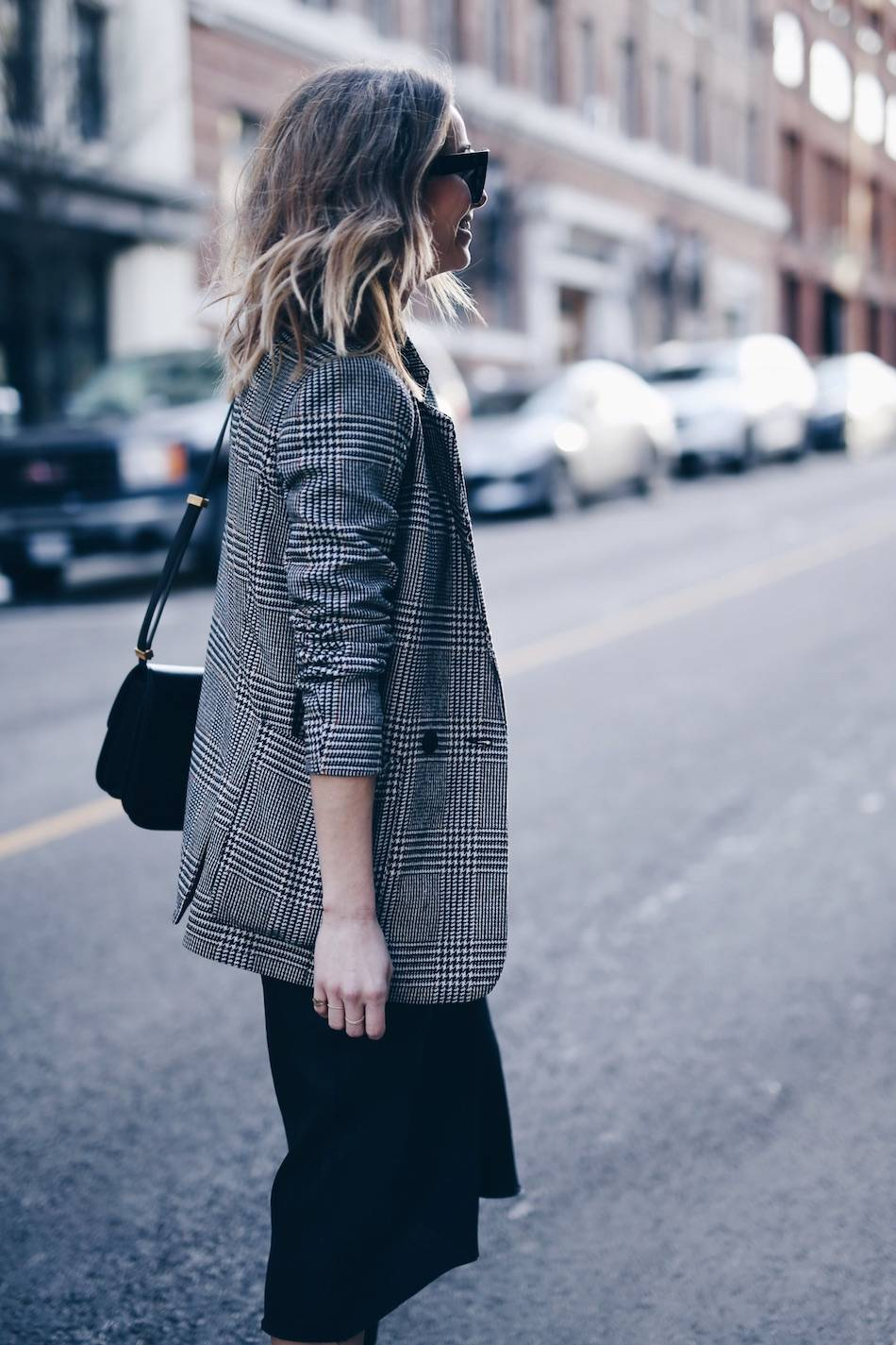 Style and beauty blogger Jill Lansky of The August Diaries perfect plaid boyfriend blazer how to wear it