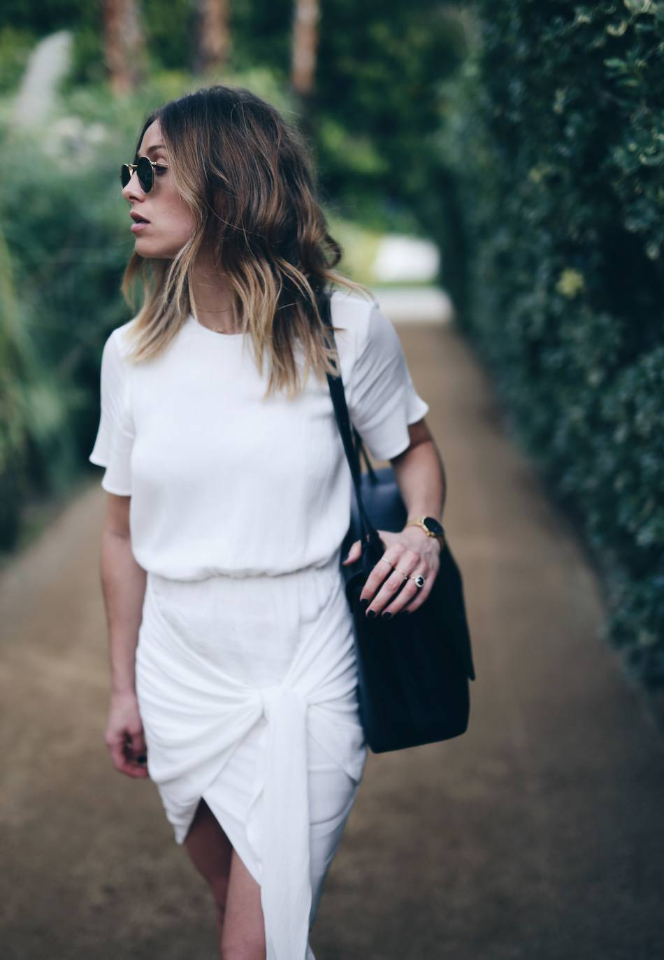 Style-and-beauty-blogger-Jill-Lansky-of-The-August-Diaries-in-white-wrap-Stylestalker-dress-