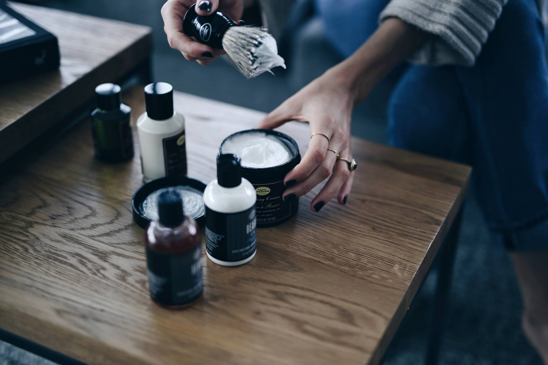 fi-Style and beauty blogger Jill Lansky of The August Diaries on what to get him for Valentine's day, the art of shaving, men's grooming
