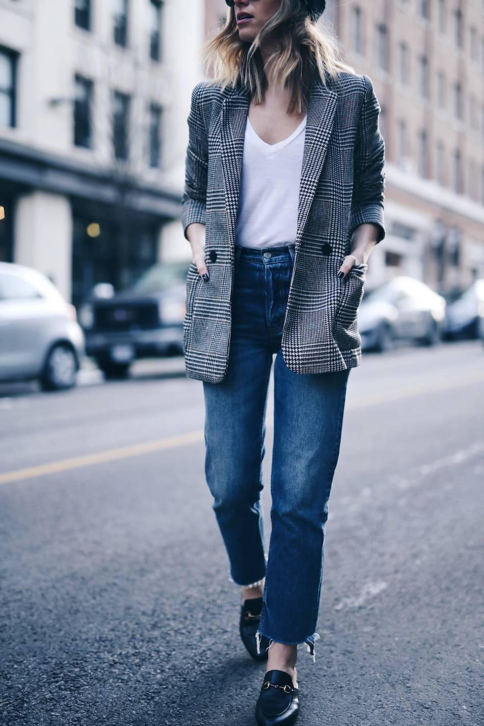 Style and beauty blogger Jill Lansky of The August Diaries in boyfriend blazer, grlfrnd jeans, gucci princetown loafers