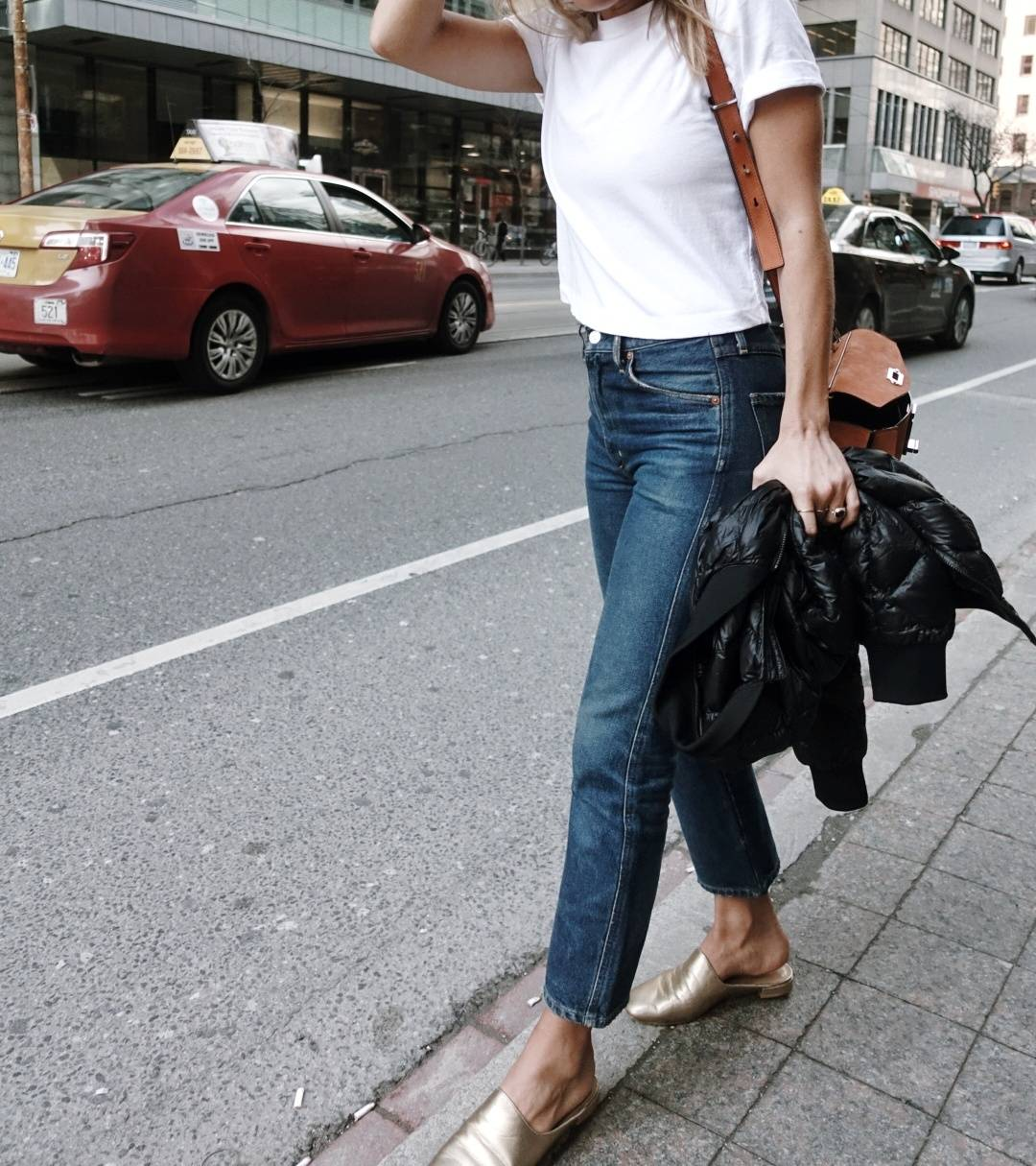 cropped citizens of humanity jeans, gold slides
